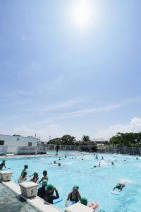 プールの授業、快晴です。