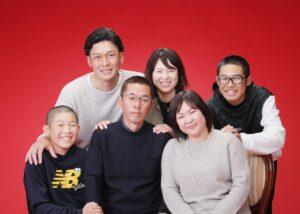 還暦祝いの家族写真